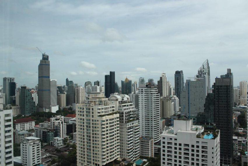 Circle Petburi_view from window