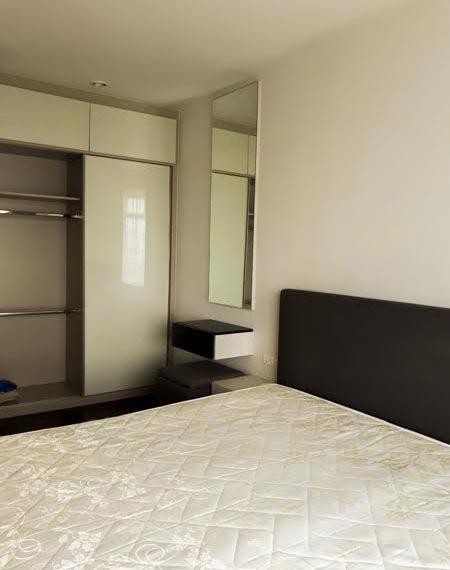 Circle Petchaburi-bedroom2
