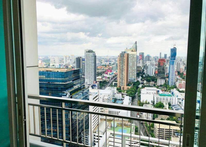 Circle-Phetchaburi-2-bedroom-sale-balcony