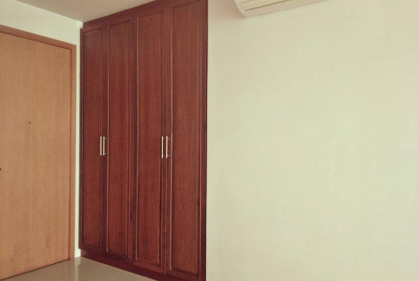 Circle Phetchaburi for sale and rent 1 bedroom mid floor - built-in closet