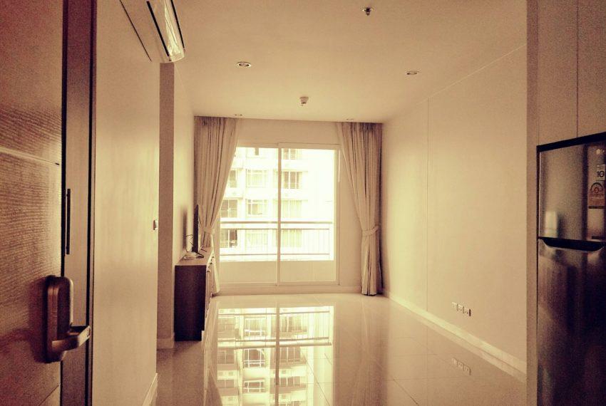 Circle Phetchaburi for sale and rent 1 bedroom mid floor - living
