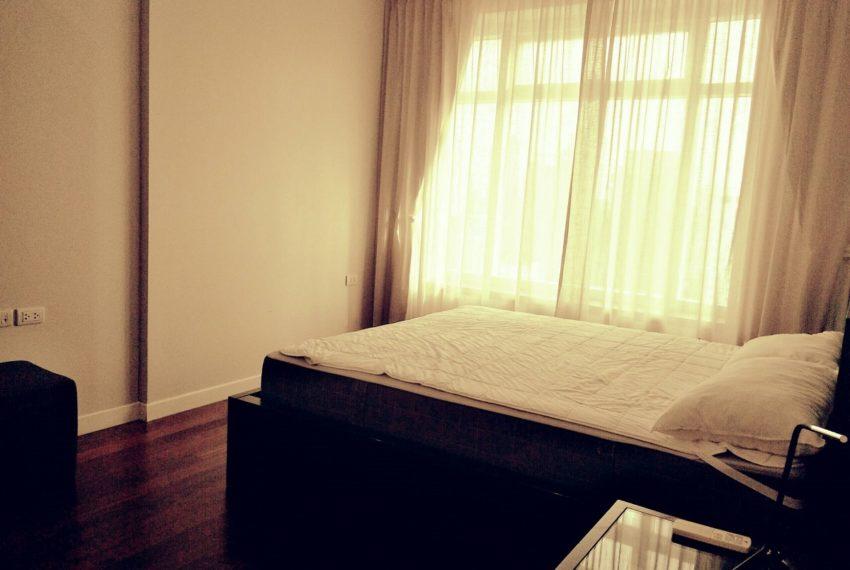 Circle Phetchaburi near Nana - 2-bedroom for sale - bed