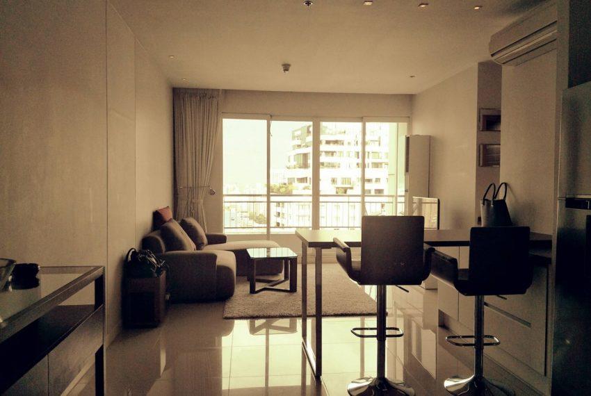 Circle Phetchaburi near Nana - 2-bedroom for sale - living area