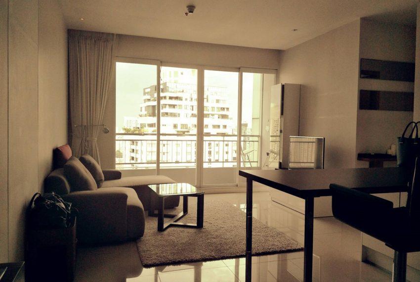 Circle Phetchaburi near Nana - 2-bedroom for sale - living room