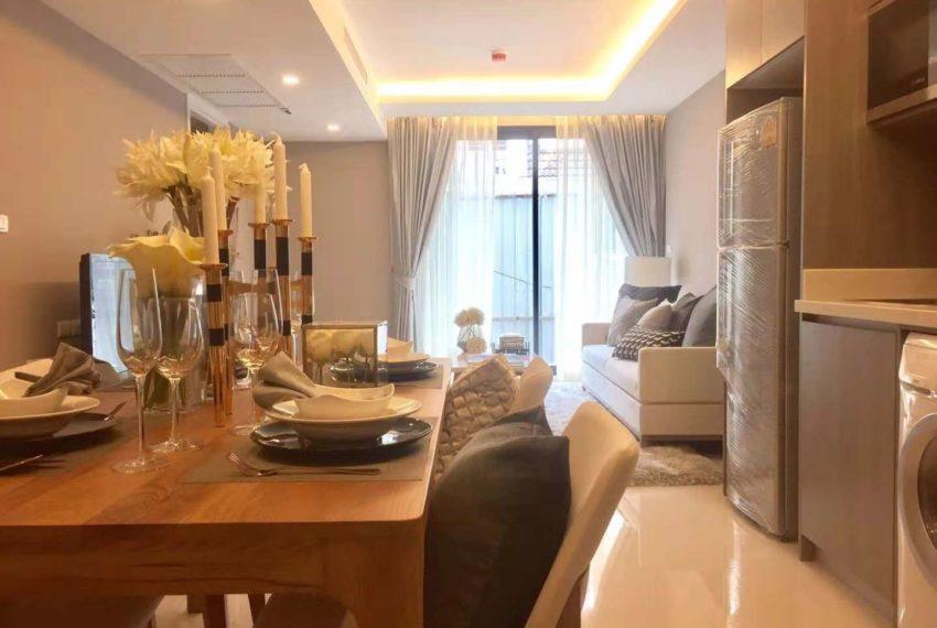 Circle Rein Sukhumvit 12-2-bedroom-living room