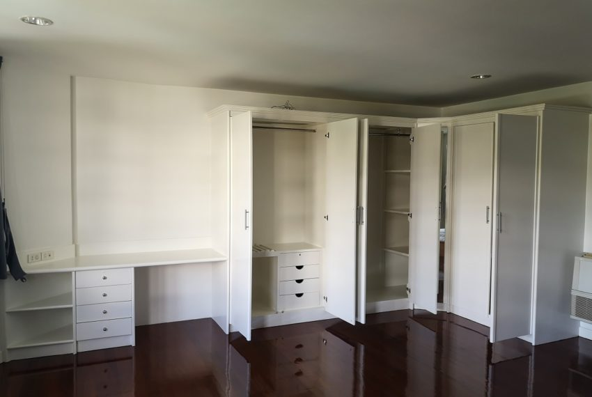 Closet 2nd Bedroom