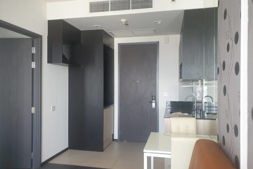Condo 1 bedroom sale in Edge Sukhumvit 23 - dinning