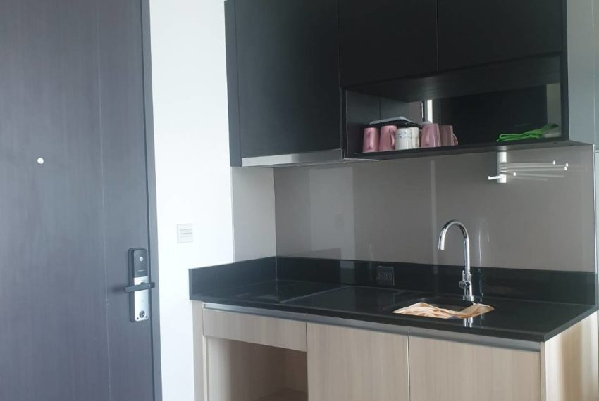Condo 1 bedroom sale in Edge Sukhumvit 23 - kitchen