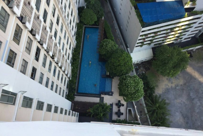 Condo One X Sukhumvit 26 - swimming pool