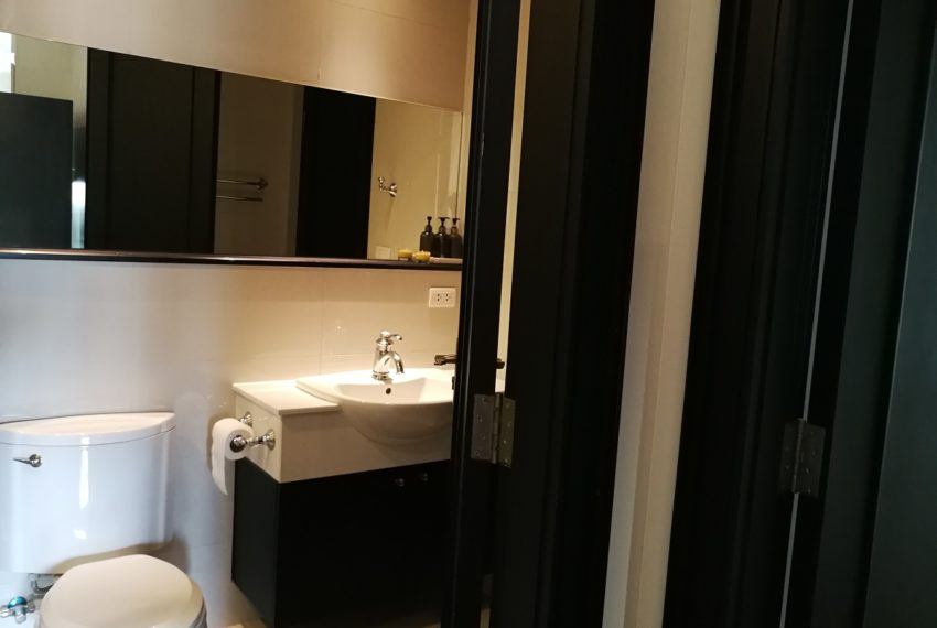 Condo for Sale in The Address Chidlom - Affordable 2-Bedroom - bathroom2
