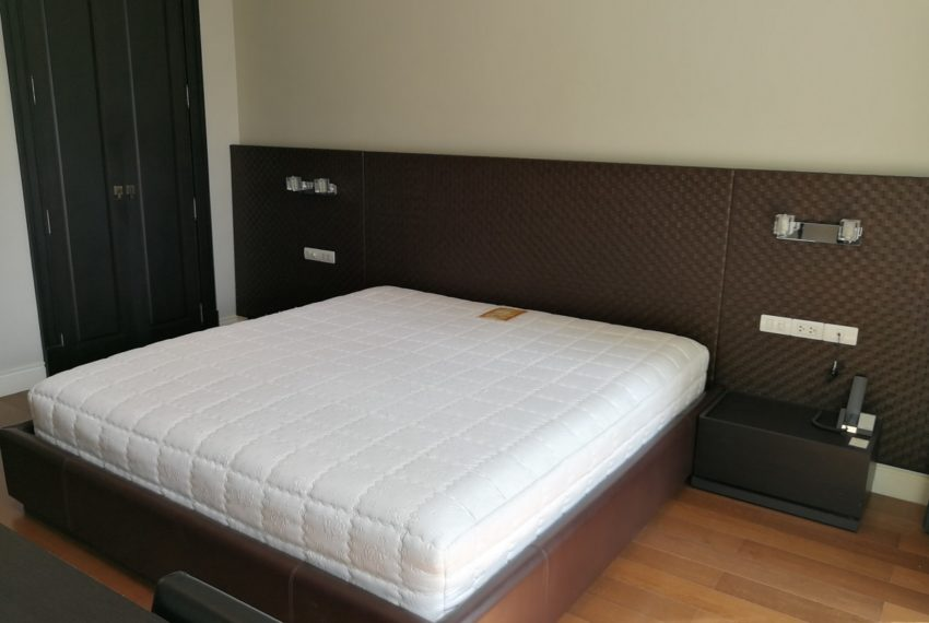 Condo for Sale in The Address Chidlom - Affordable 2-Bedroom - bed