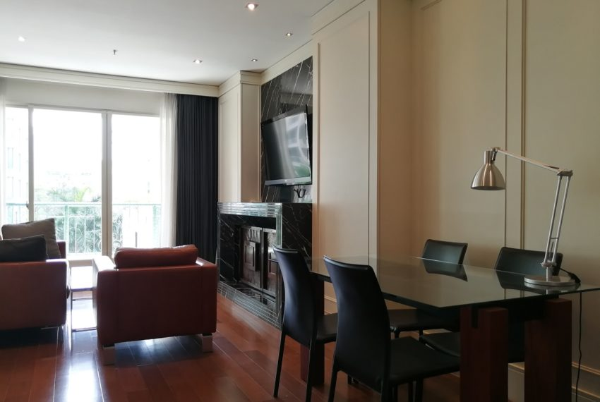 Condo for Sale in The Address Chidlom - Affordable 2-Bedroom - dinning