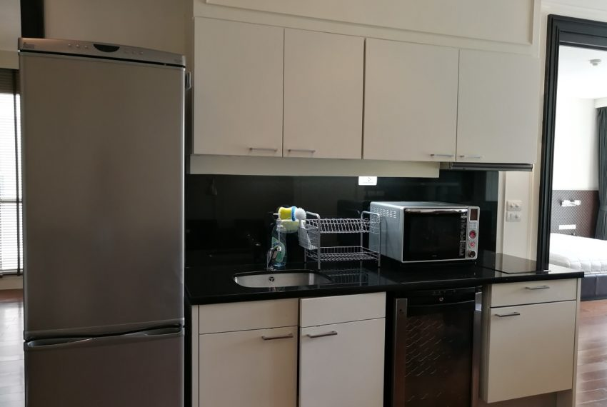 Condo for Sale in The Address Chidlom - Affordable 2-Bedroom - kitchen