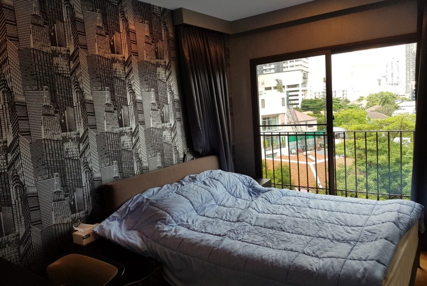Condolette Dwell Sukhumvit 26 1b1b bedroom