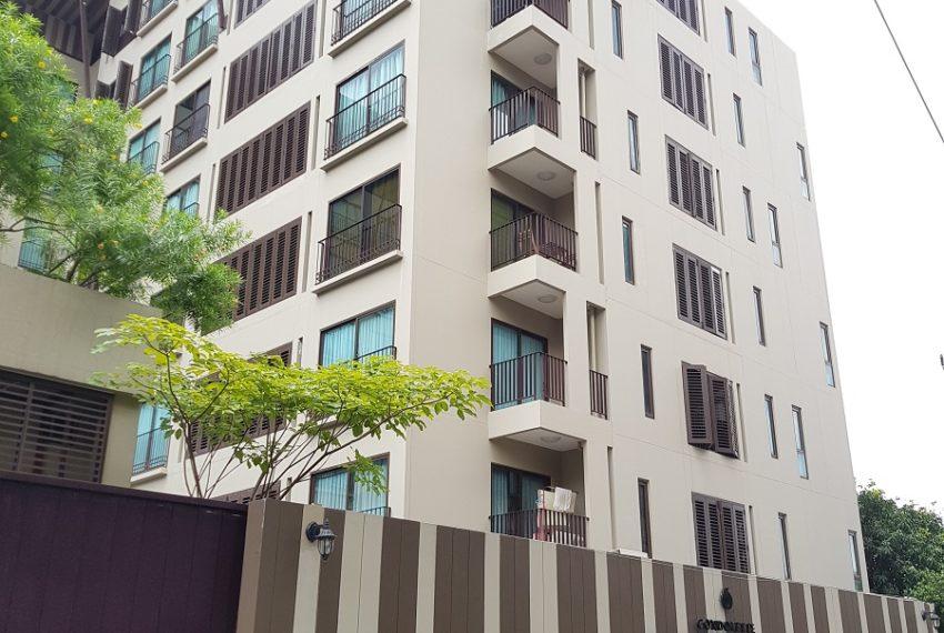 Condolette Dwell Sukhumvit 26 - 8 storey building