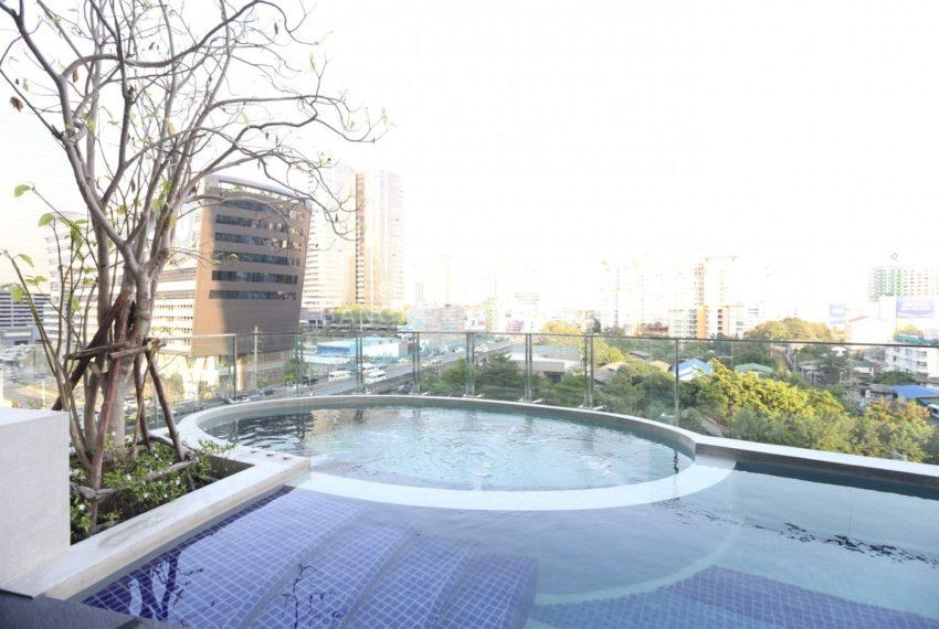 Condolette Midst Rama 9 Condominium near Rama 9 MRT - swimming area