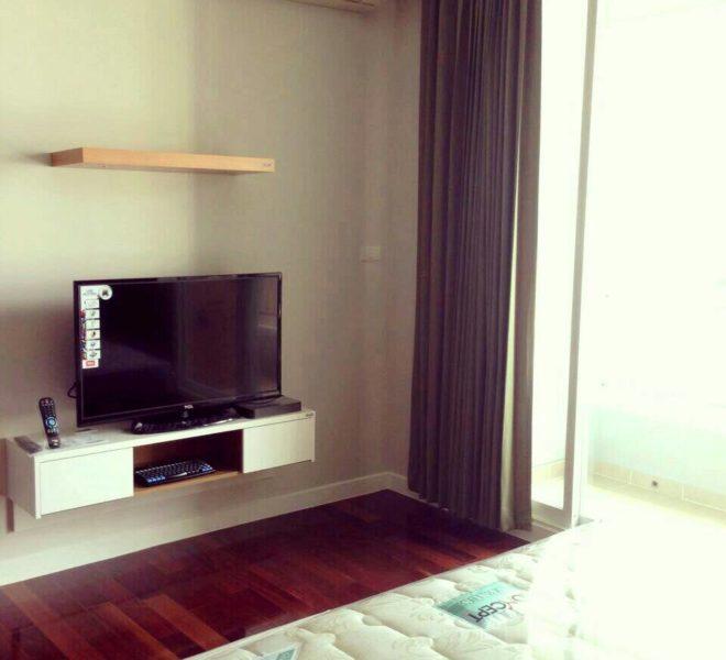 Crcle-Sale-badr room
