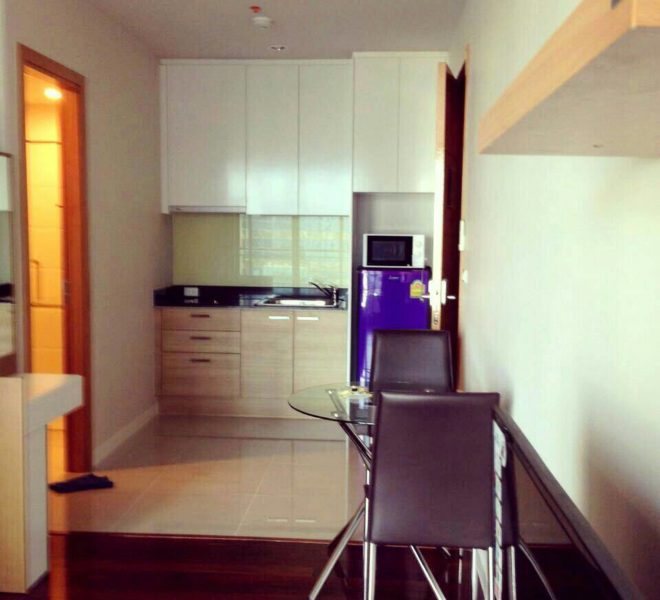 Condo on High Floor For Sale in Circle Condominium - 1 Bedroom -Good Price