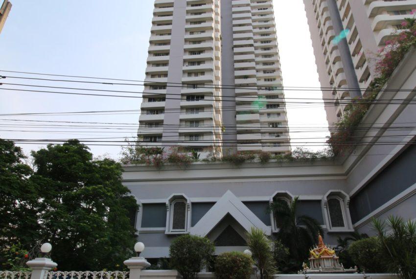 DS-Tower-1-Sukhumvit33-building