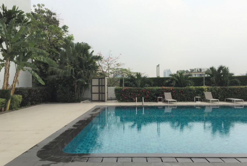 DS Tower 2 Sukhumvit 39 condo - pool