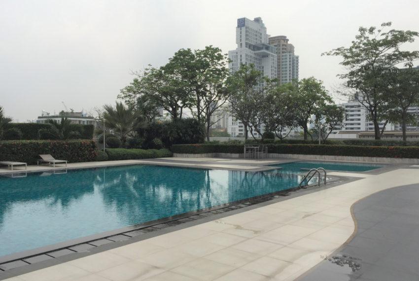 DS Tower 2 Sukhumvit 39 condo - swimming pool