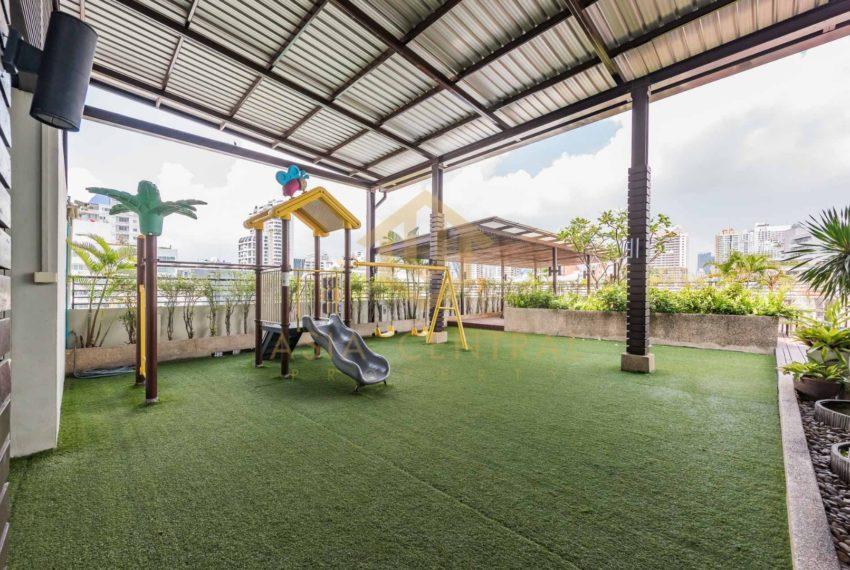 Destiny-55-Thonglor-playground