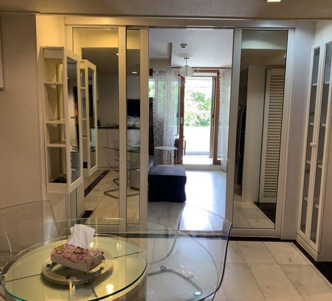 A large 1-bedroom apartment for sale near BTS Asoke - low-floor - Lake Avenue Condominium - Price Reduced