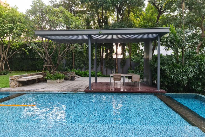 Domus SUkhumvit condominium in Bangkok - garden