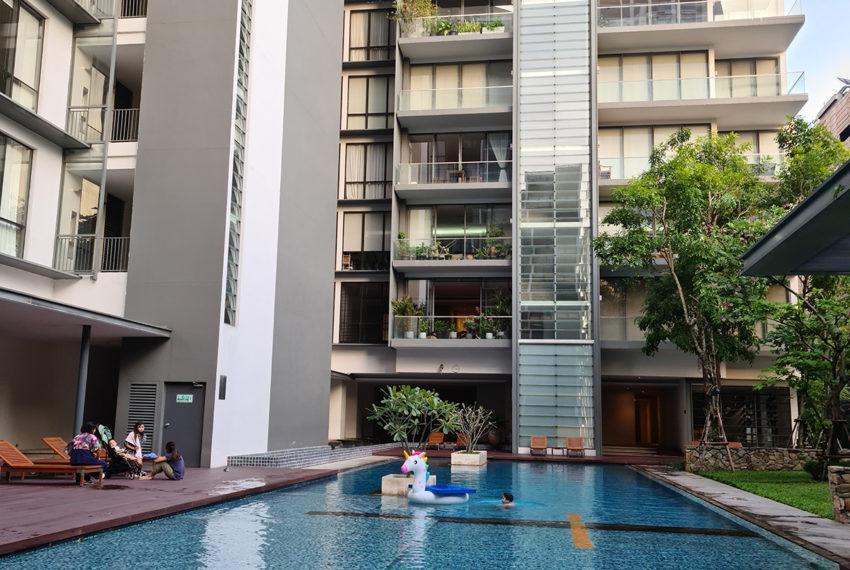 Domus SUkhumvit condominium in Bangkok - pool
