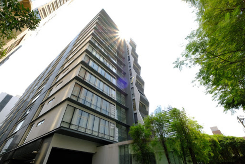 Domus Sukhumvit 18 condo - tower