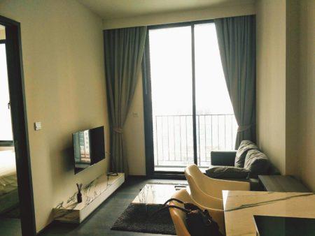 Condo in Bangkok CBD for sale - 1-bedroom - mid-floor - Edge Sukhumvit 23 condo near BTS Asoke