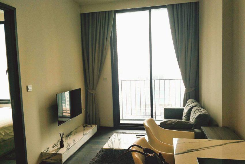 Edge Sukhumvit 23 - 1-bedrom-sale - mid-floor -living