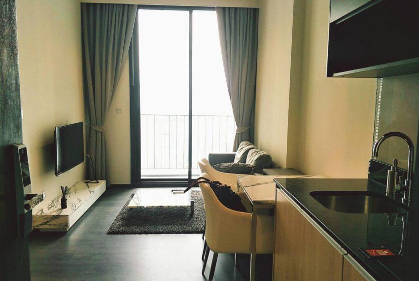 Edge Sukhumvit 23 - 1-bedrom-sale - mid-floor - living room