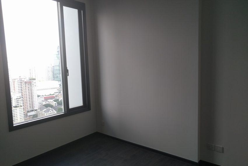 Edge Sukhumvit 23 1 bedroom 1 bathroom for sale - living room with nice view 01