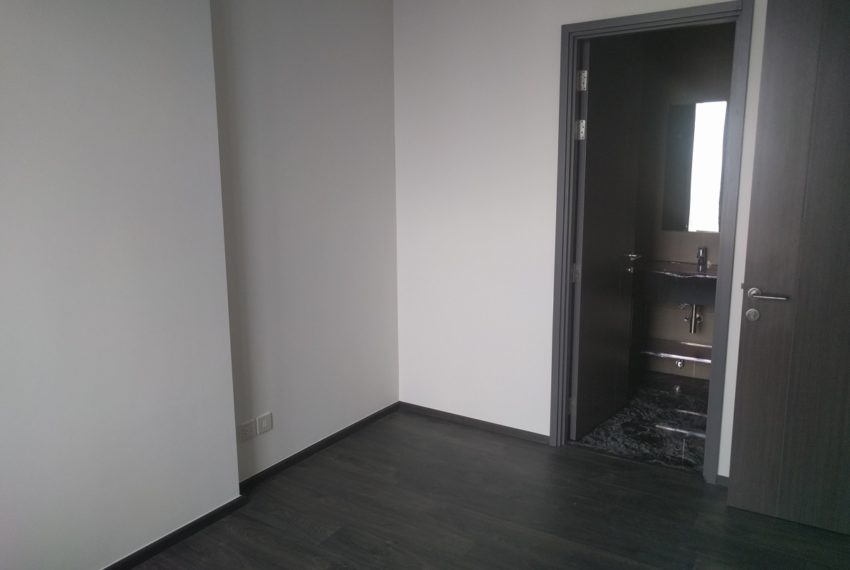 Edge Sukhumvit 23 1 bedroom 1 bathroom for sale - master bedroom 01