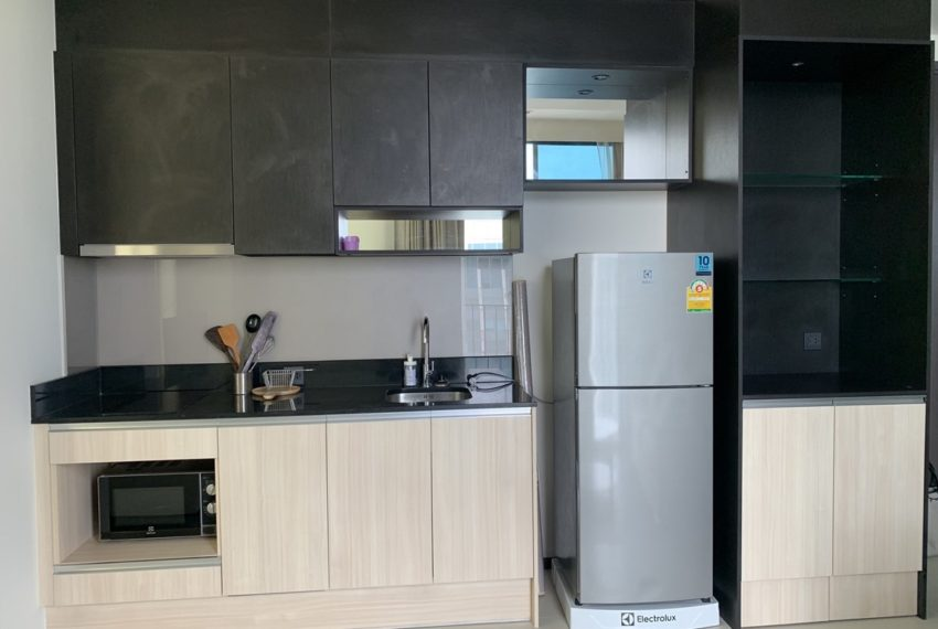 Edge Sukhumvit 23 2b2b room-kitchen