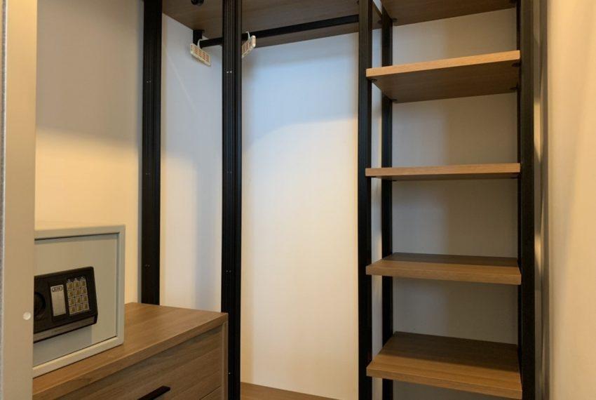 Edge Sukhumvit 23 2b2b-walkin Closet