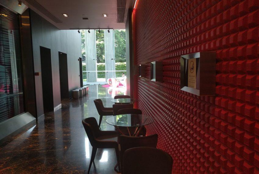Edge Sukhumvit 23 building lobby with receiption desk