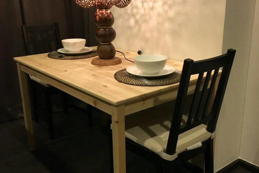 Edge Sukhumvit 23 - low floor - rent 42.5 sqm - dinning