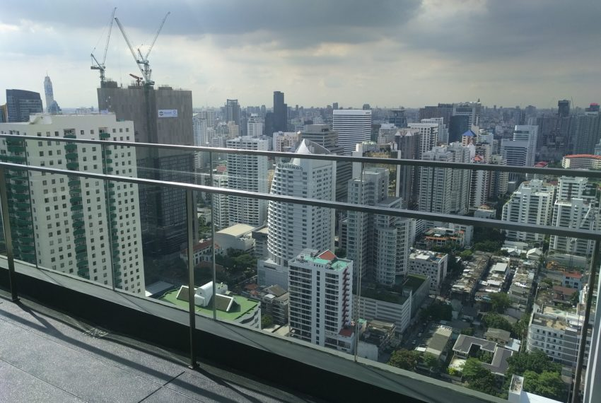 Edge Sukhumvit 23 roof floor panoramic city view - 02
