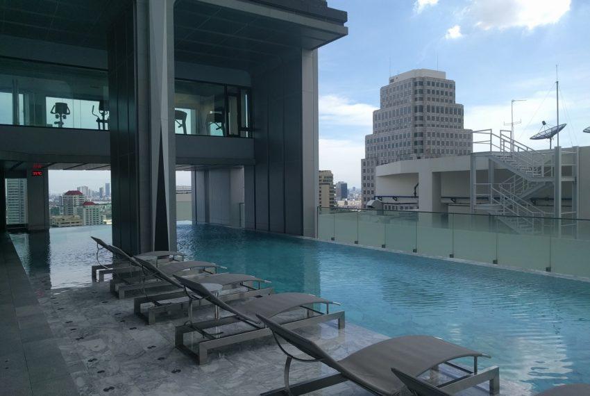 Edge Sukhumvit 23 swimming pool on 27 floor - 03