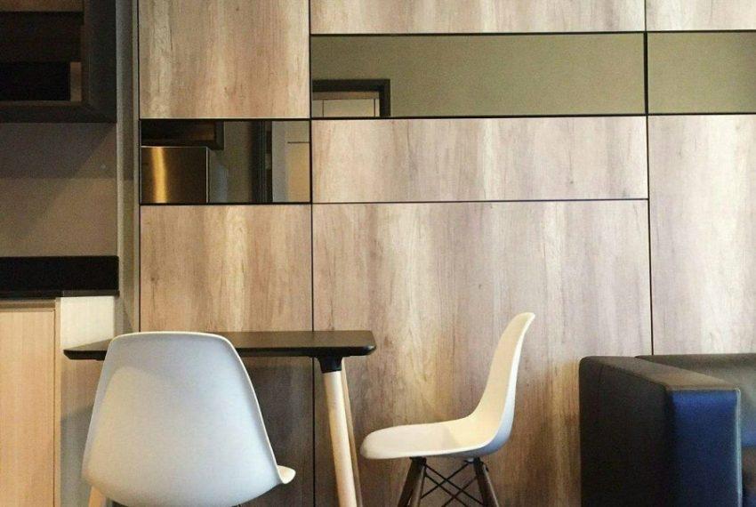 Edge-seller livingroom