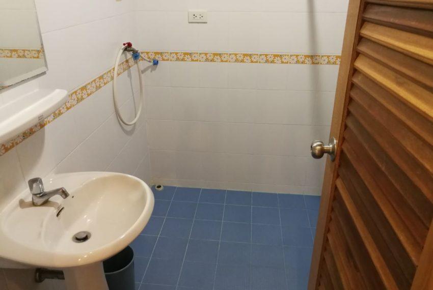 Elpatio5fl_2b2b_Bathroom2
