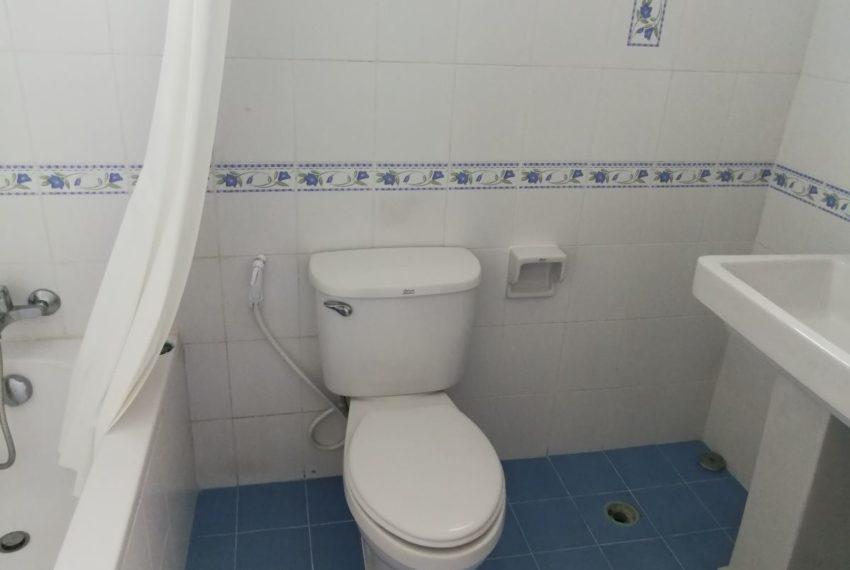 Elpatio5fl_2b2b_Masterbathroom1.1