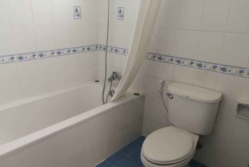 Elpatio5fl_2b2b_Masterbathroom1.2