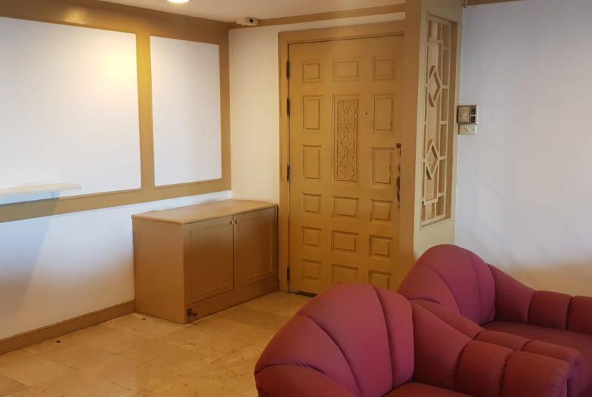 Empire House Condominium Ekamai 12 - 3-bedroom-sale-door