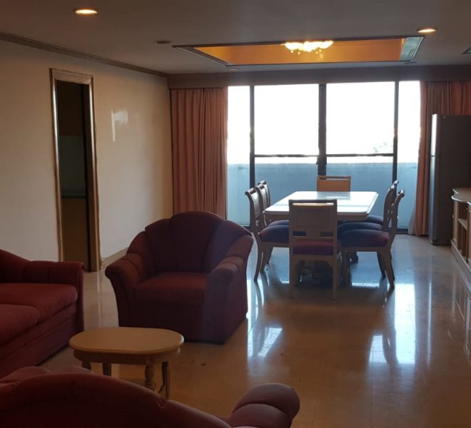 Empire House Condominium Ekamai 12 - 3-bedroom-sale-living