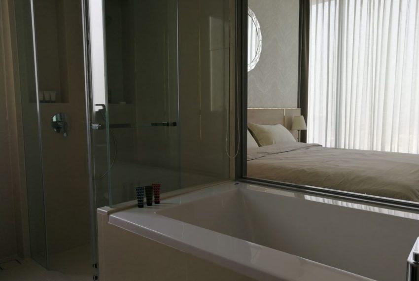 EsseAsoke47FL_2b2b_Masterbathroom1.3