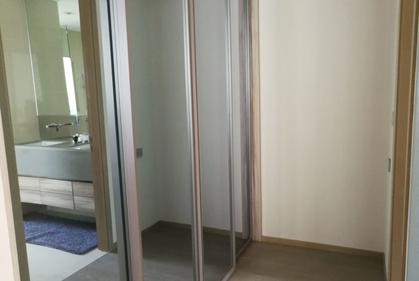EsseAsoke47FL_2b2b_Masterbedroom_Dressing