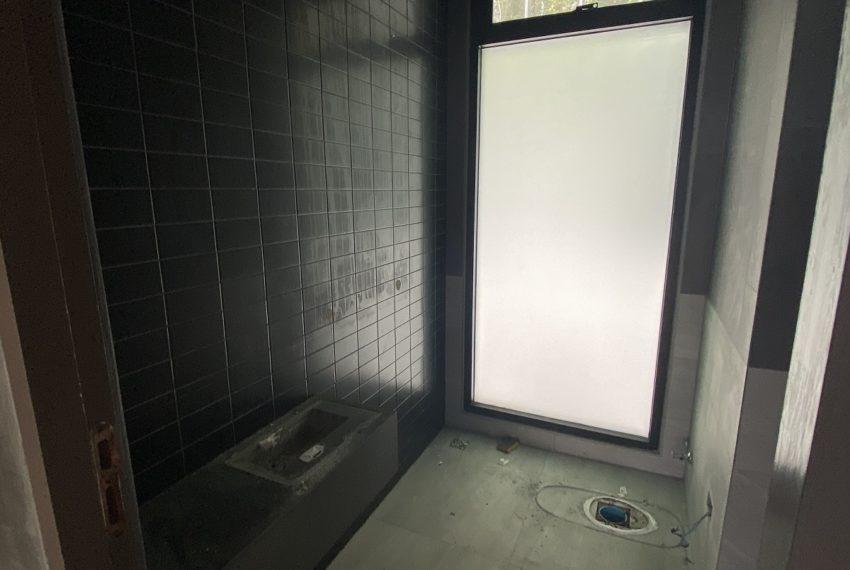 Floor 2 toilet